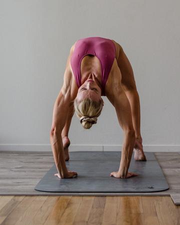 Jessica-Branson-Yoga-Shoot-8