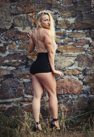 Elegant and strong Colorado fitness model Rachel Pressler | Denver Fitness Photographer | @gocrazyrachel