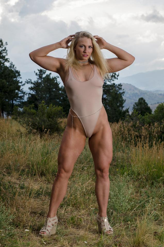 Denver Fitness Photographer | Quads of a Fitness Model Rachel Pressler